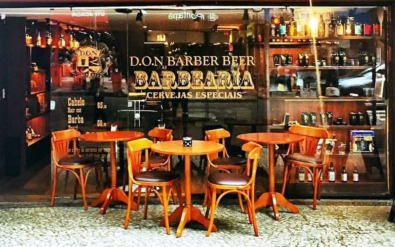 Don Barber Beer: barbearia e bar retrô conquistam os cariocas