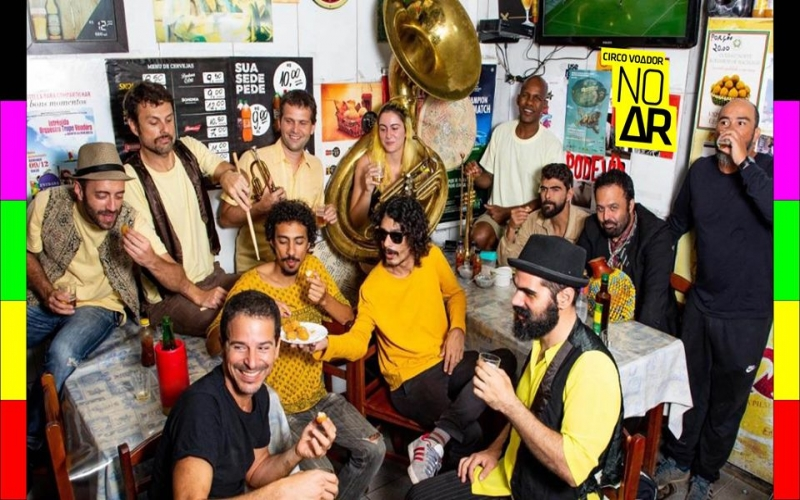 Orquestra Voadora no canal do Youtube do Circo Voador