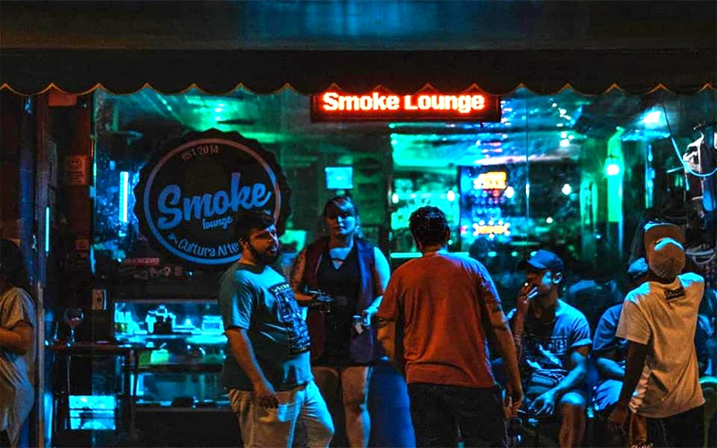 Monday Blues no Smoke Lounge